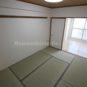 和室 和室の扉を開けると、隣の洋室と一つの部屋として使用出来ます。