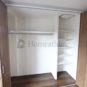 収納 クローゼット内は、ハンガーパイプと可動棚のように、仕切りを作った収納スペースも可能です。(当社の新築施工事例)