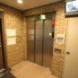 エントランス エレベーターは防犯カメラ付きになります。