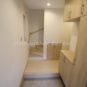 玄関 土間タイル、シューズボックス、フローリング、壁紙等、お色味や模様などをご自由にお選び頂けます。(弊社同仕様施工事例)