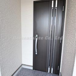 ダブルロックの玄関扉です。(玄関)