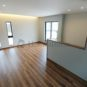 リビング このように壁際に空間を作り、間接照明を取り付ける事も可能です。(当社の新築施工事例)